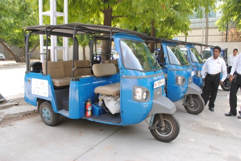 The world's first hydrogen-powered autorickshaws in Delhi produce scarcely any emissions